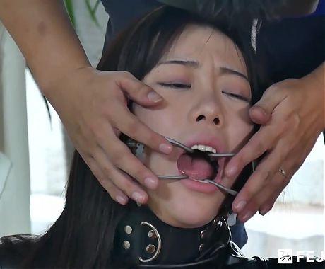 Fejira com – Fetish slave girl wearing leather catsuit