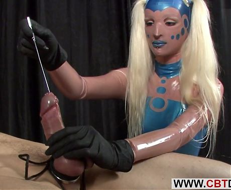 Uretra fucked slave handles ass fuck by mistress