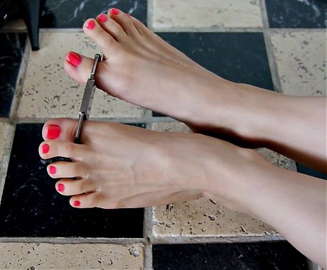 Feet 061 - Girls Feet Restricted by Toe Cuffs (Request)